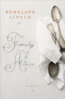 Cover image for Family album