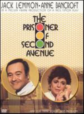 Cover image for The prisoner of second avenue