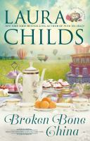 Cover image for Broken bone china / Laura Childs.