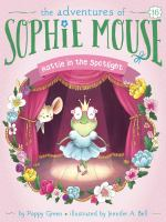 Cover image for Hattie in the spotlight / by Poppy Green ; illustrated by Jennifer A. Bell.