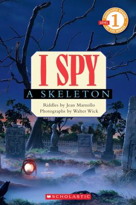 Cover image for I spy a skeleton