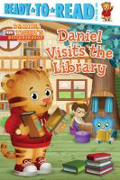 Cover image for Daniel visits the library