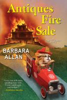 Cover image for Antiques fire sale : a trash 'n' treasures mystery