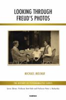 Cover image for Looking through Freud's photos