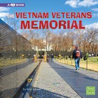 The Vietnam Veterans Memorial : a 4D book